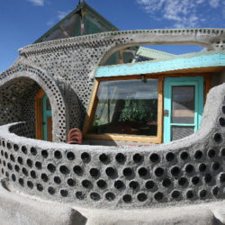 Earthship-Homes11